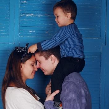 family-1404827_1920.jpg